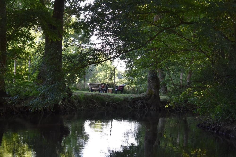 Aire camping-car à Saint-Angeau (16230) - Photo 3